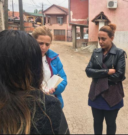 Посета на населбата средорек споделување искуства од посети на лекар од жени,мајки и девојчиња